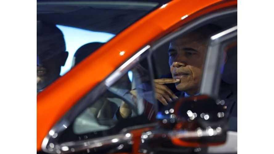 President Obama Visits Detroit Auto Show - Checks Out Chevrolet Bolt, Pacifica Hybrid - Video