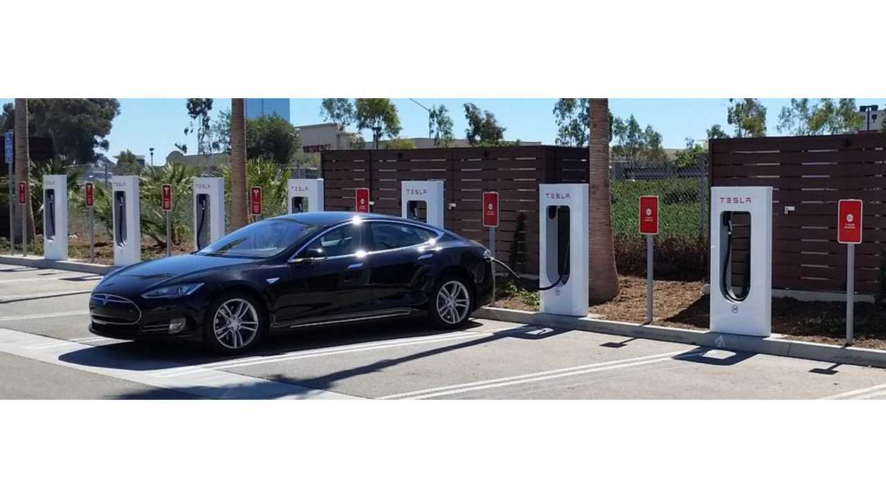 Tesla Opens Supercharger #200