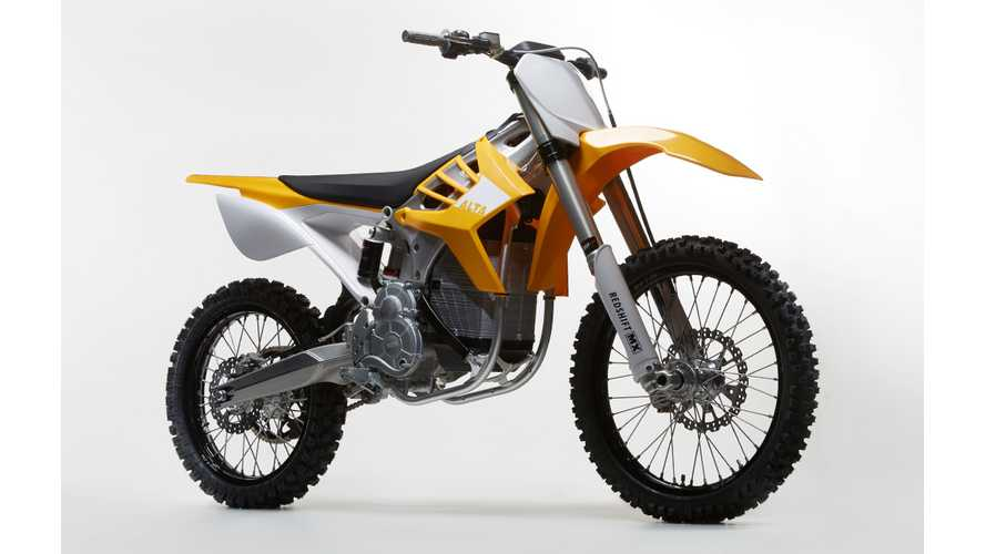 Alta Gives Sample Of Redshift MX Electric Motorcycle Performances - Video