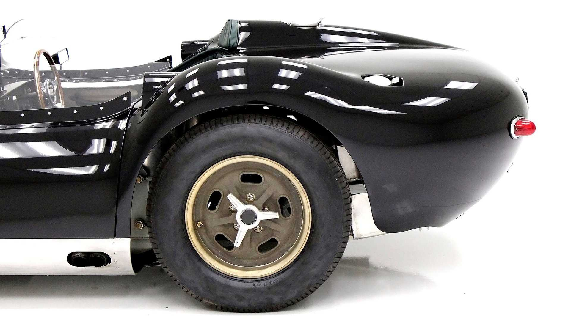 "[""1958 Lister Jaguar""]"