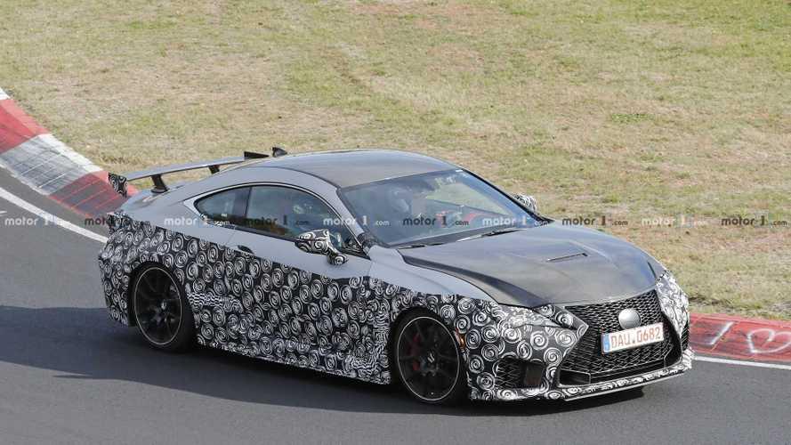 La Lexus RC F GT à l'échauffement sur le Nürburgring