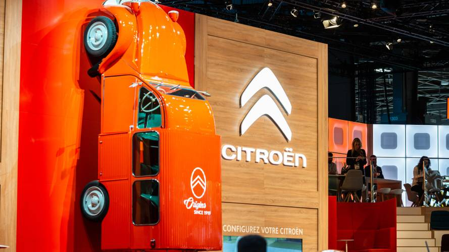 La Citroën 2CV souffle sa 70e bougie au Mondial de Paris