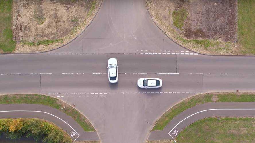A Ford bemutatta a közlekedési lámpák nélküli ijesztő jövőt