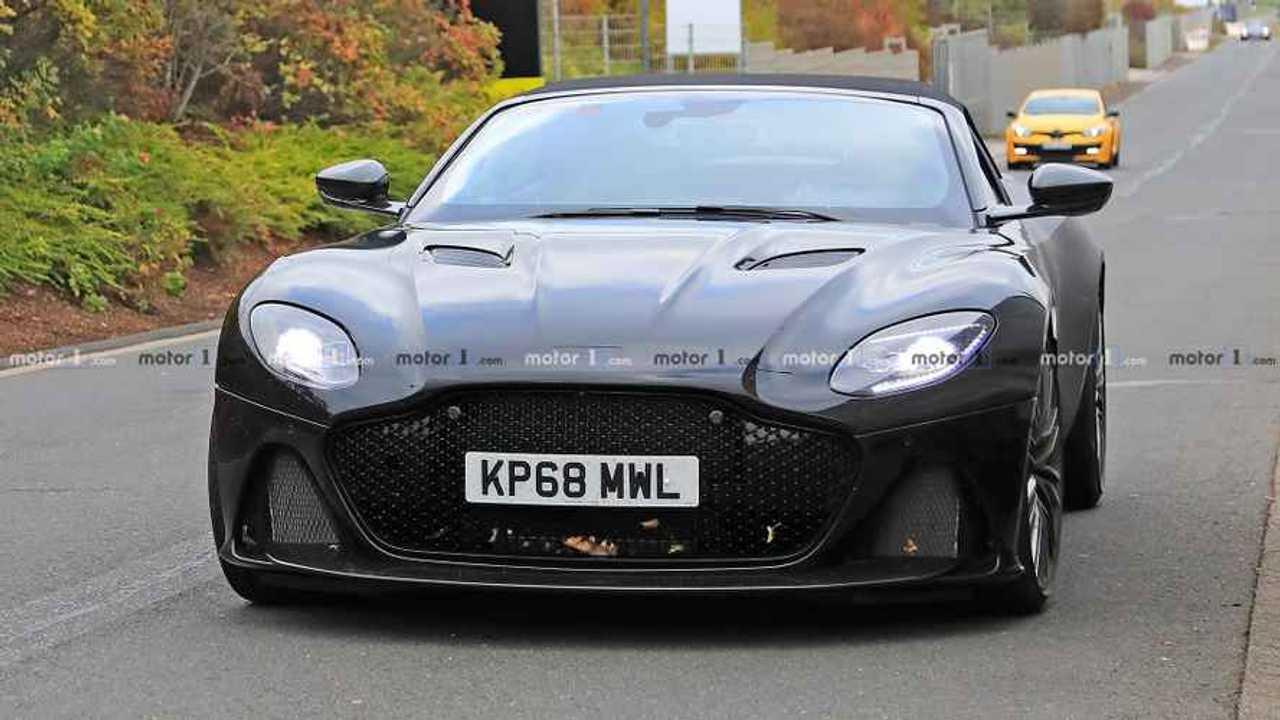 Aston Martin DBS Superleggera Volante fotos espía