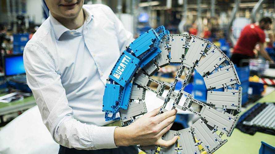 Bugatti Chiron de Lego Technic a escala real
