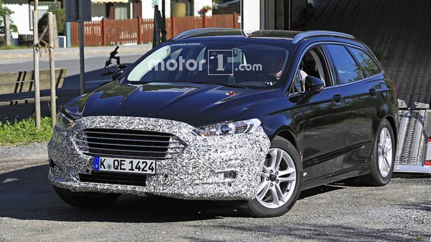 "Flagra: Ford ""Fusion"" Wagon esconde novo visual durante testes"