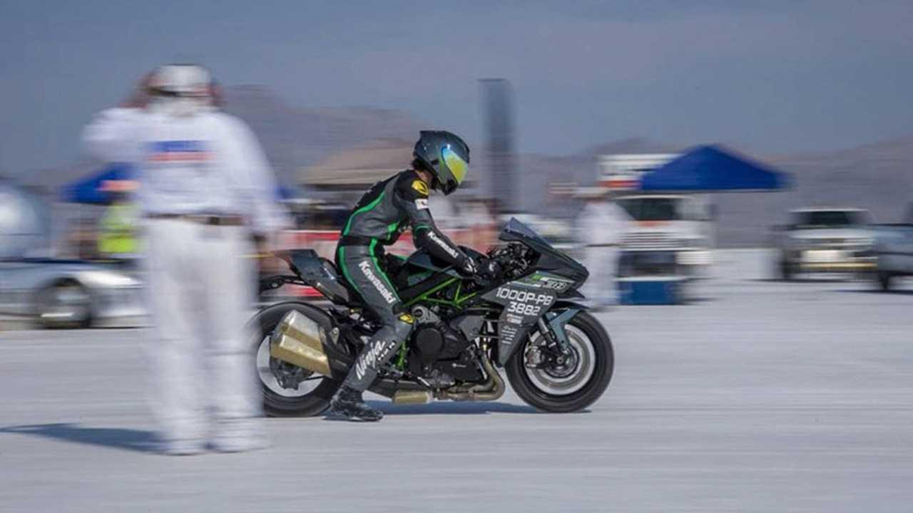 Team 38 Rides Kawasaki H2 to Land Speed Record at Bonneville