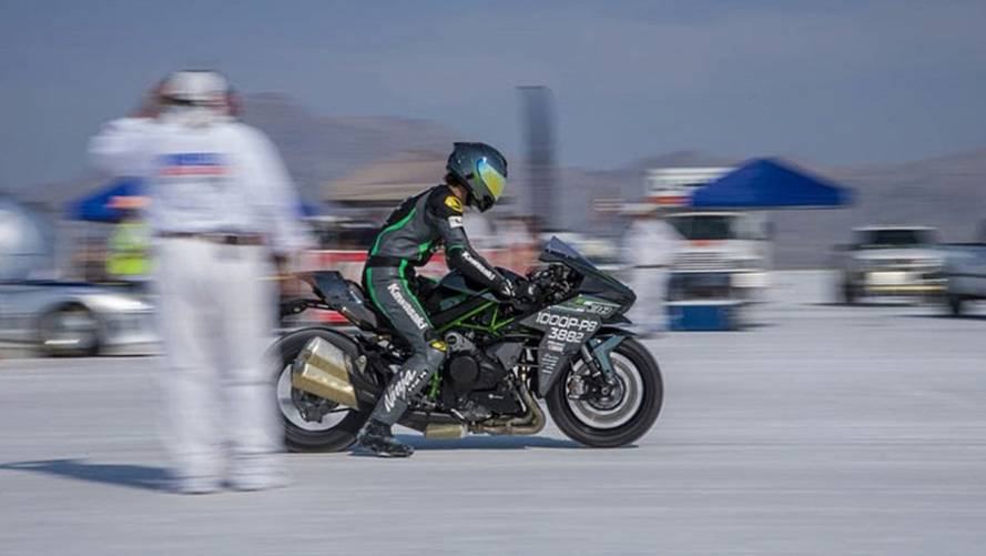 Team 38 Rides Kawasaki H2 to Land Speed Record at Bonneville