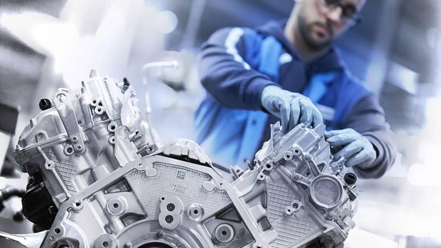BMW'nin çift turbolu 4.4 litrelik V8 motoru nasıl yapılıyor?