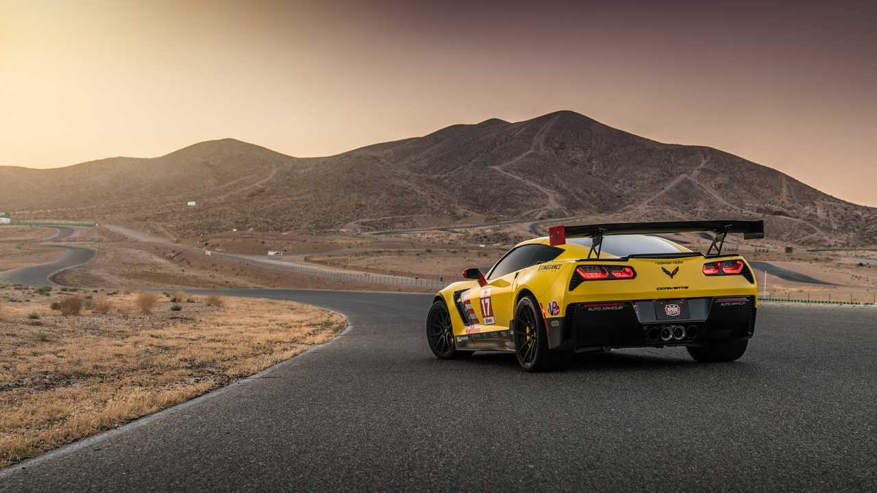 Chevy Corvette Z06 Heavily Upgraded To Resemble C7 R Race Car