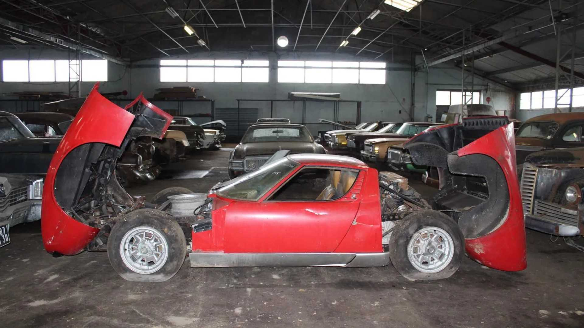 "[""Interencheres Barn Find Auction""]"