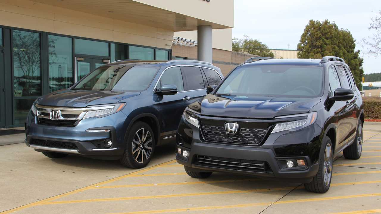 2019 Honda Passport Vs. 2019 Honda Pilot | Motor1.com Photos