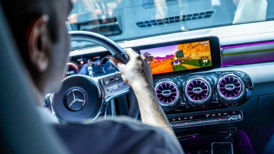 New Mercedes CLA lets you play Mario Kart