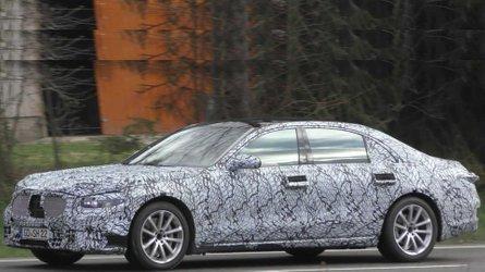 Yeni nesil Mercedes-Benz C- ve S-Serisi Sedanlar görüntülendi