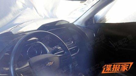 Flagra: Novo Chevrolet Tracker 2020 mostra interior pela primeira vez