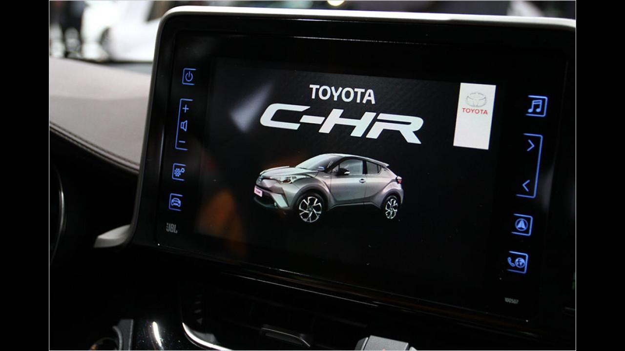Paris 2016: Sitzprobe im Toyota C-HR