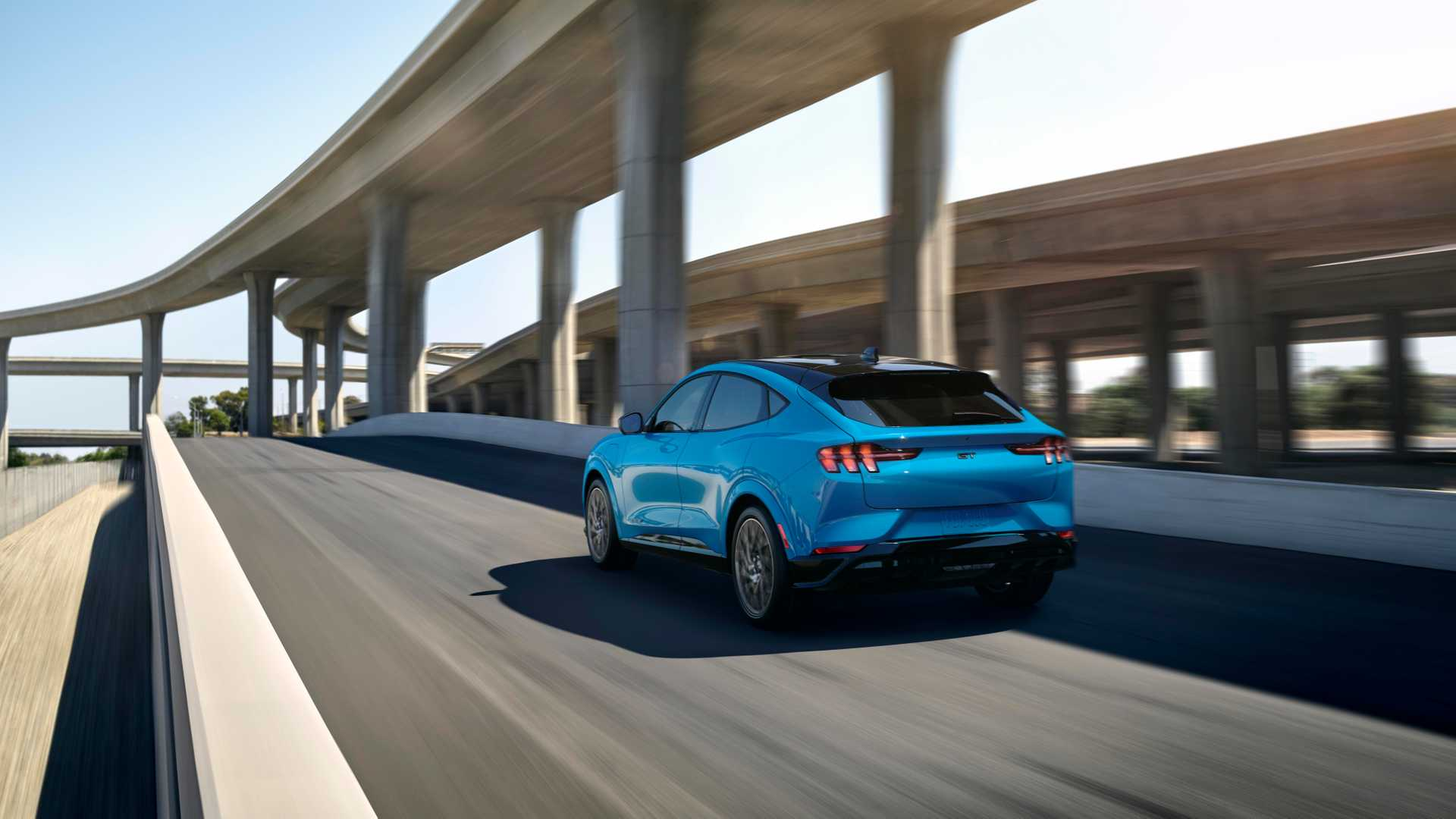 2020-ford-mustang-mach-e