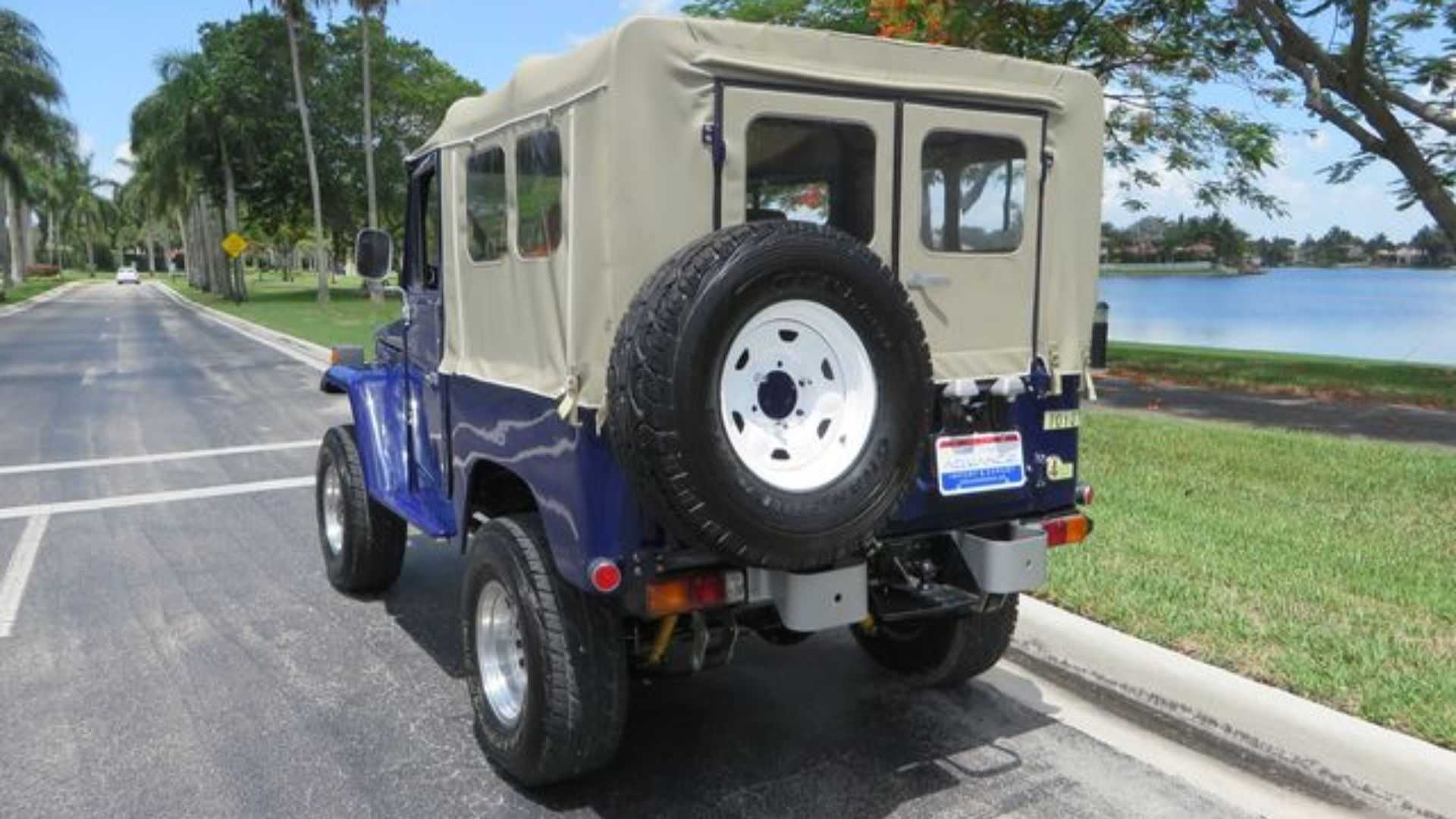 "[""Bid On An Ultra-Clean 1982 Toyota FJ40 Land Cruiser""]"