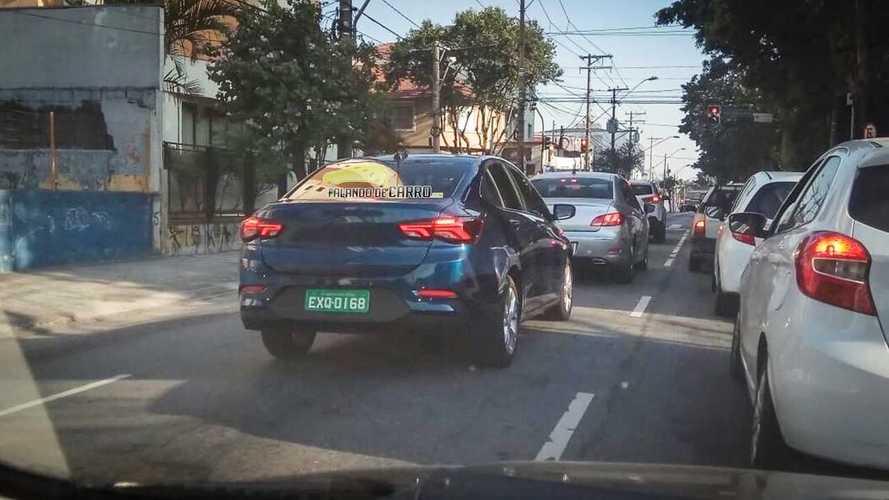 Flagra: Novo Onix Sedan nacional está pronto para estrear