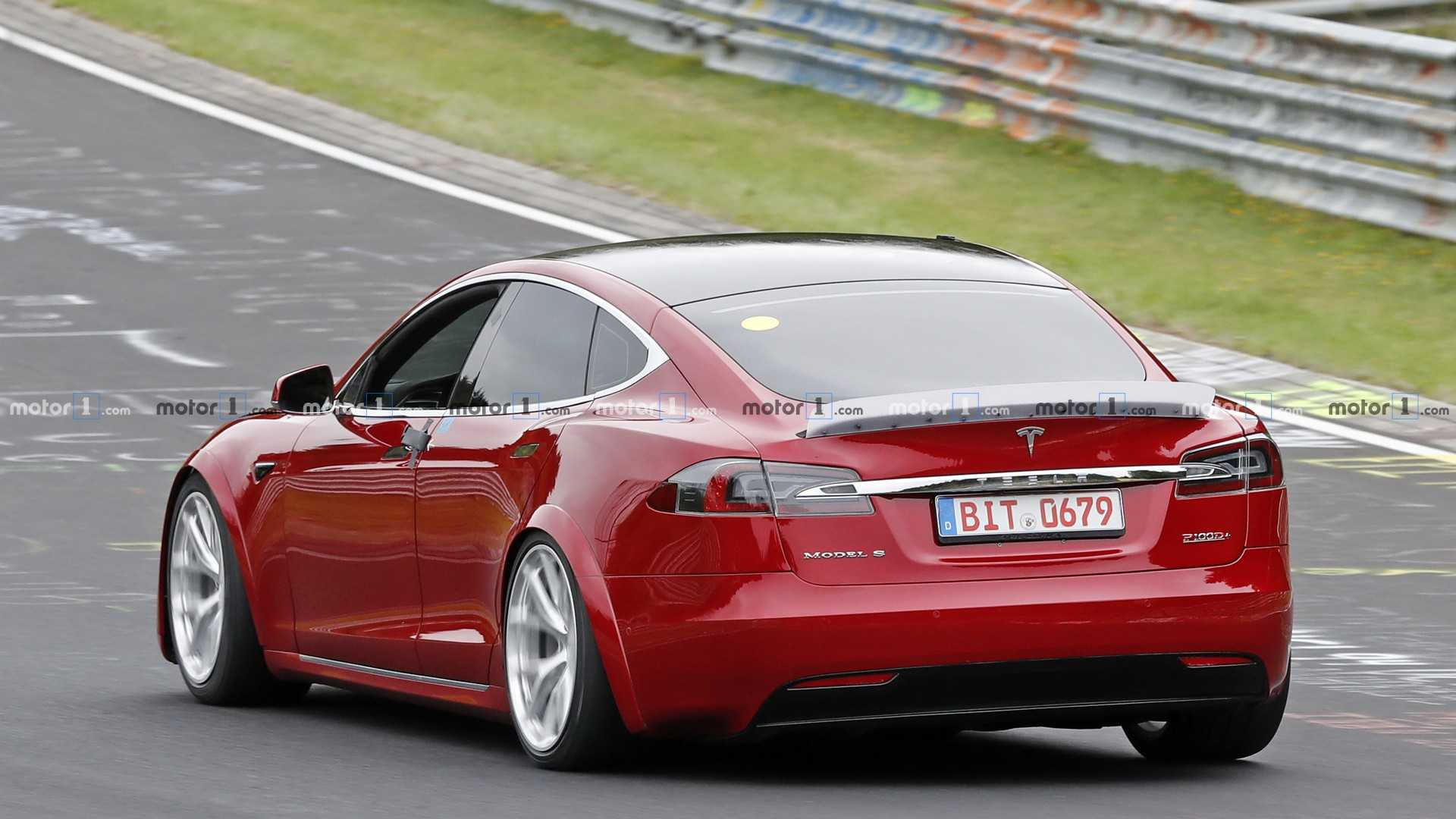 tesla-model-s-plaid-spy-photo.jpg