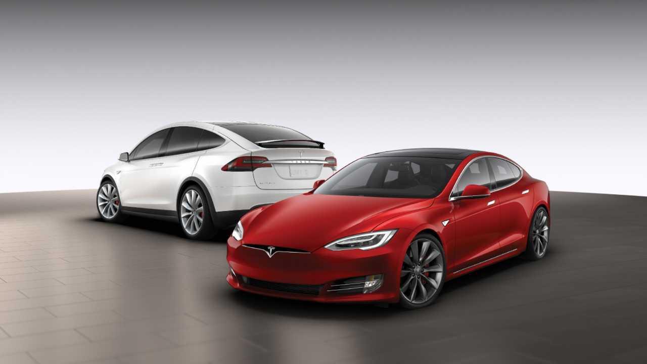 Tesla, l'aggiornamento over the air cambia taratura alle sospensioni