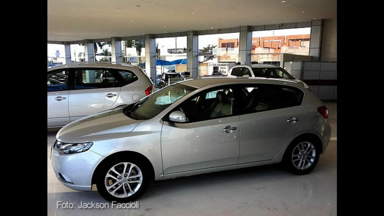 Exclusivo  Kia Cerato Hatch  U00e9 Confirmado Para 2012
