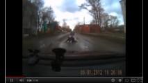 VÍDEO: Pedestre apanha de motorista após tentar se matar