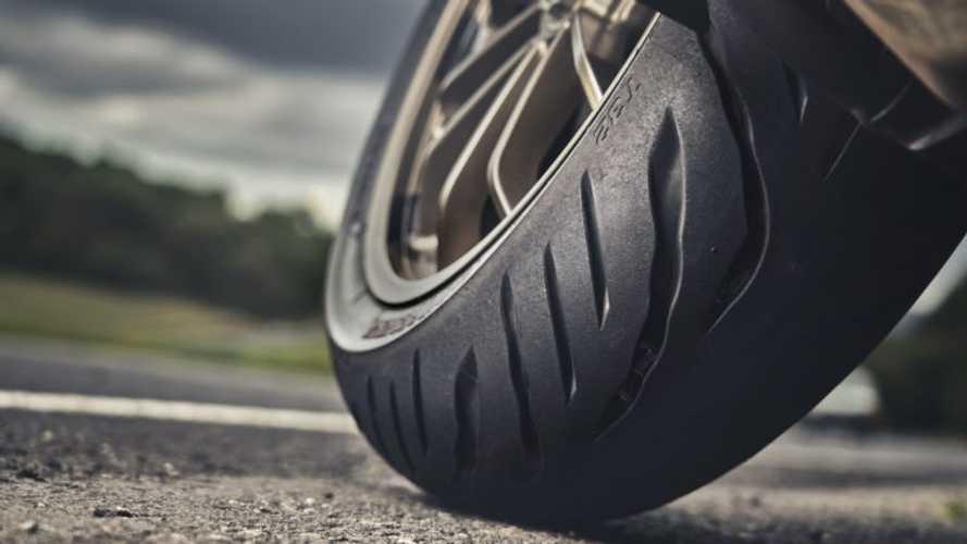 Dua Varian Ban Baru Diperkenalkan Bridgestone untuk Kondisi Basah