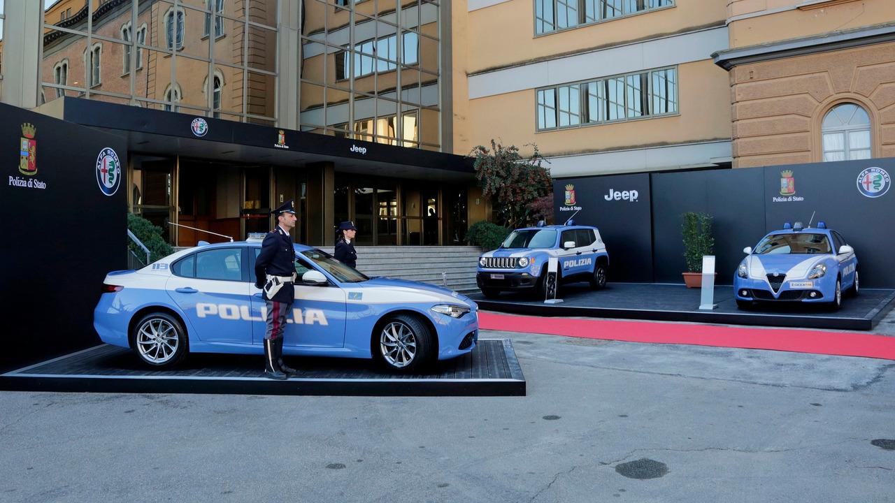 Alfa Romeo ve Jeep İtalya'da göreve hazır
