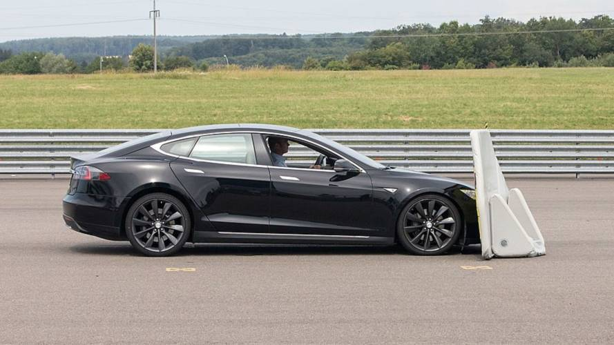 Tesla Model S Fails Auto Brake Test, Smashes Into Dummy Car