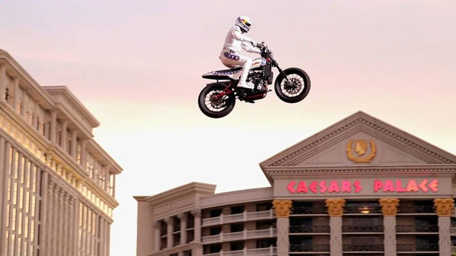 Travis Pastrana makes history with Evel Knievel tribute