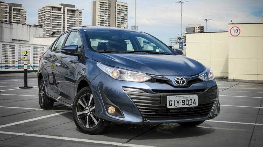 Toyota Yaris Sedan x Honda City