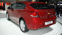 Chevrolet Cruze 5-door hatchback live in Geneva 01.03.2011