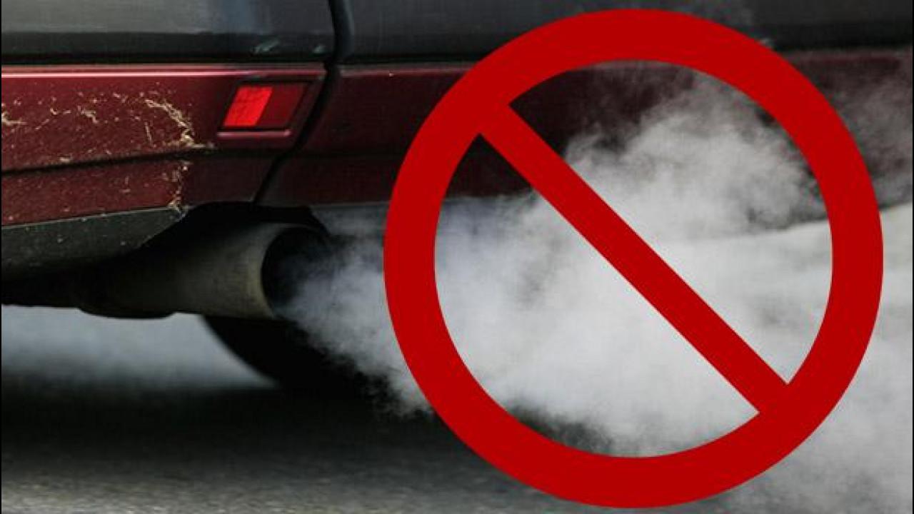 [Copertina] - 2050, addio alle auto a benzina e diesel