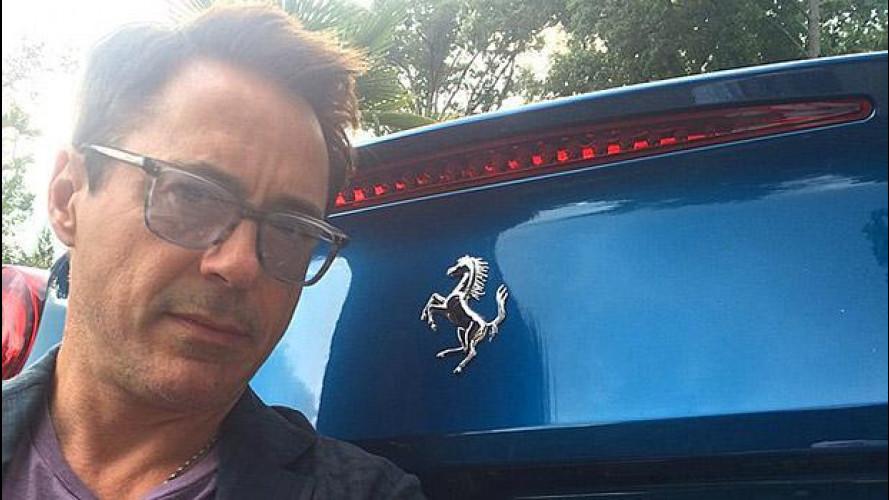 Iron Man si diverte sulla Ferrari [VIDEO]