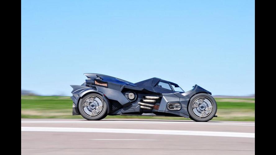 Batmobile, col motore Lamborghini è alla Gumball 3000