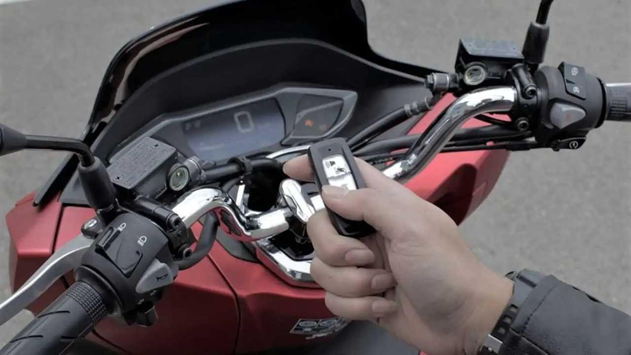 Fitur Honda Smart Key System di PCX.
