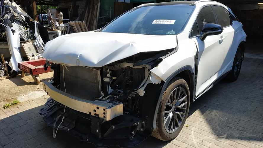 Lexus RX Gets Second Chance In Life By Russian YouTube Star Mechanic