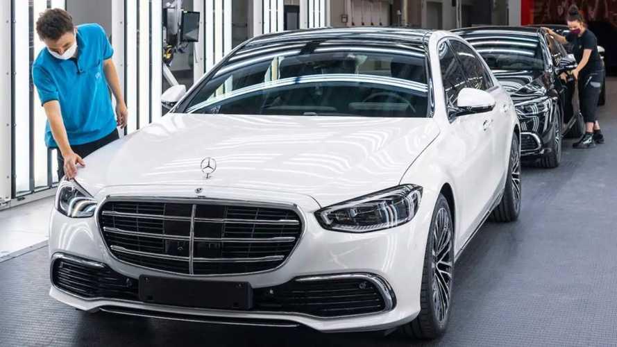 La pénurie de semi-conducteurs paralyse désormais Mercedes