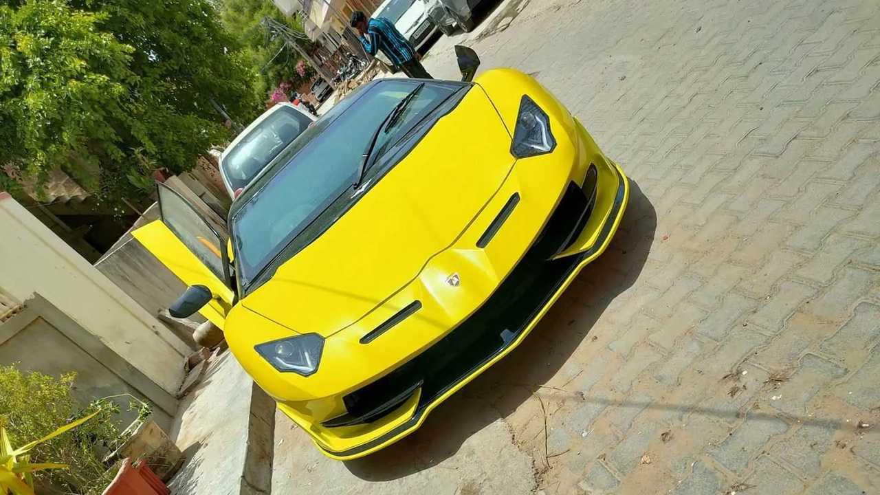 Lamborghini Aventador SVJ hasonmás Honda Civicből