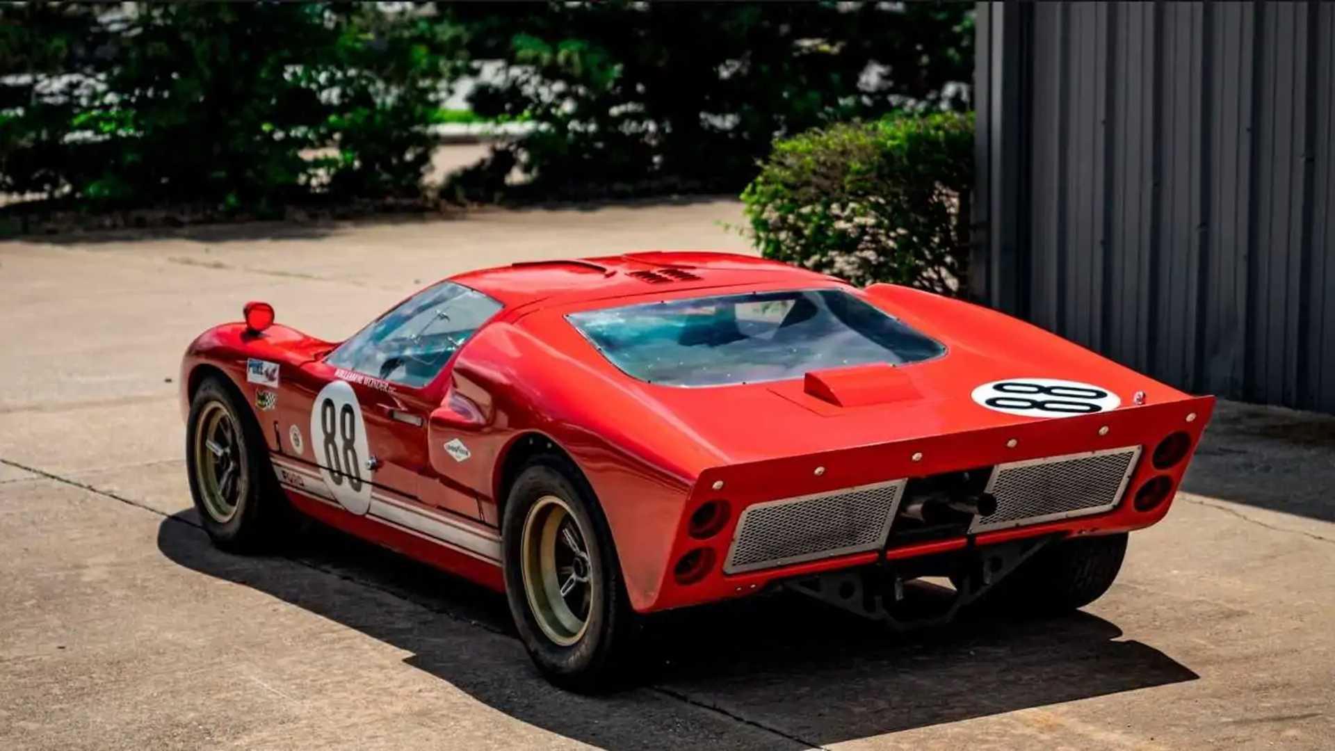 RCR Ford GT40 Nachbau
