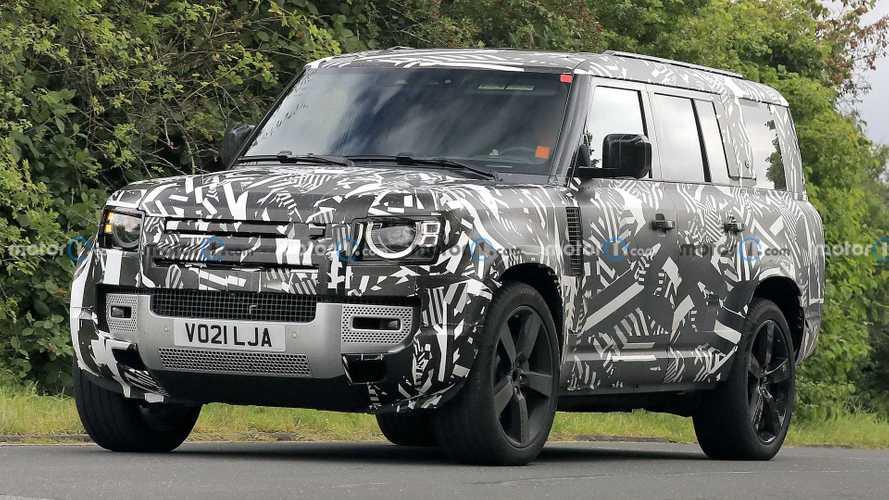 Land Rover приступил к испытаниям 8-местного Defender