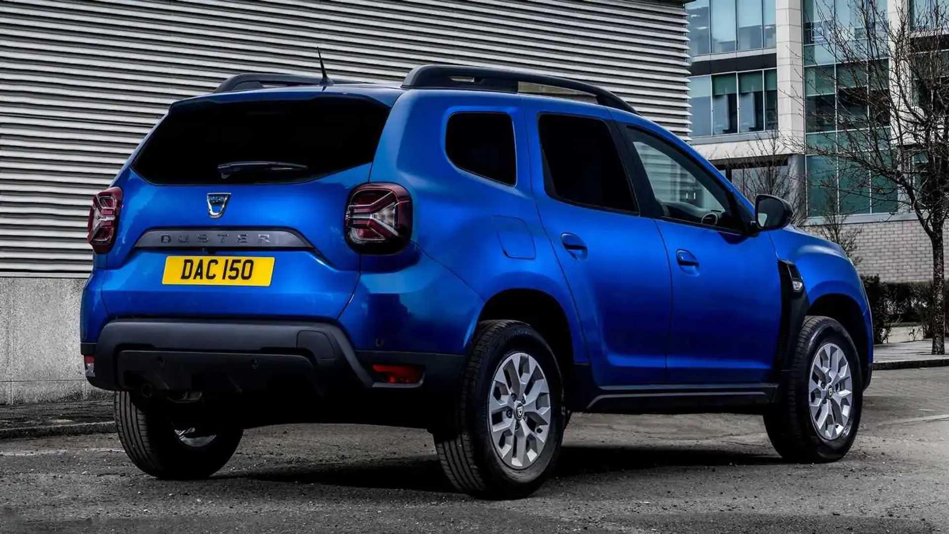 2021 Dacia Duster opera una furgoneta comercial en el Reino Unido 2