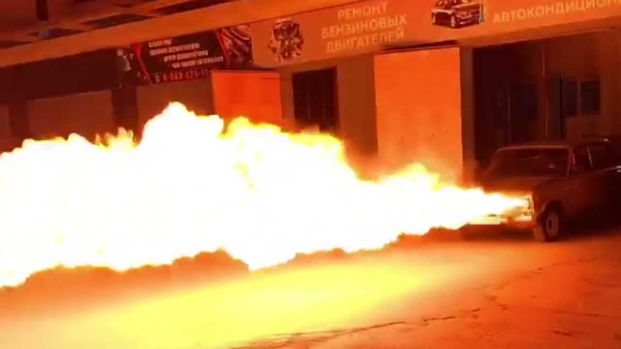 Tűzokádó Lada