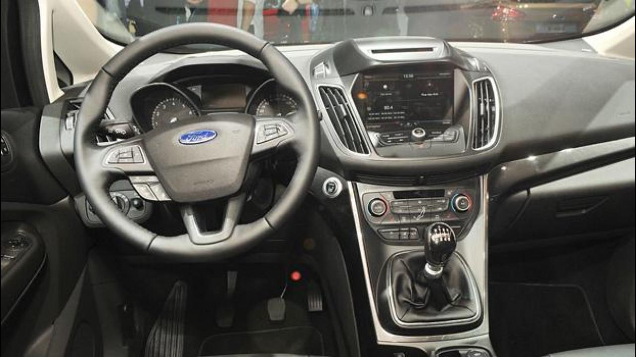 [Copertina] - Salone di Parigi, il Ford SYNC è ancora più integrato