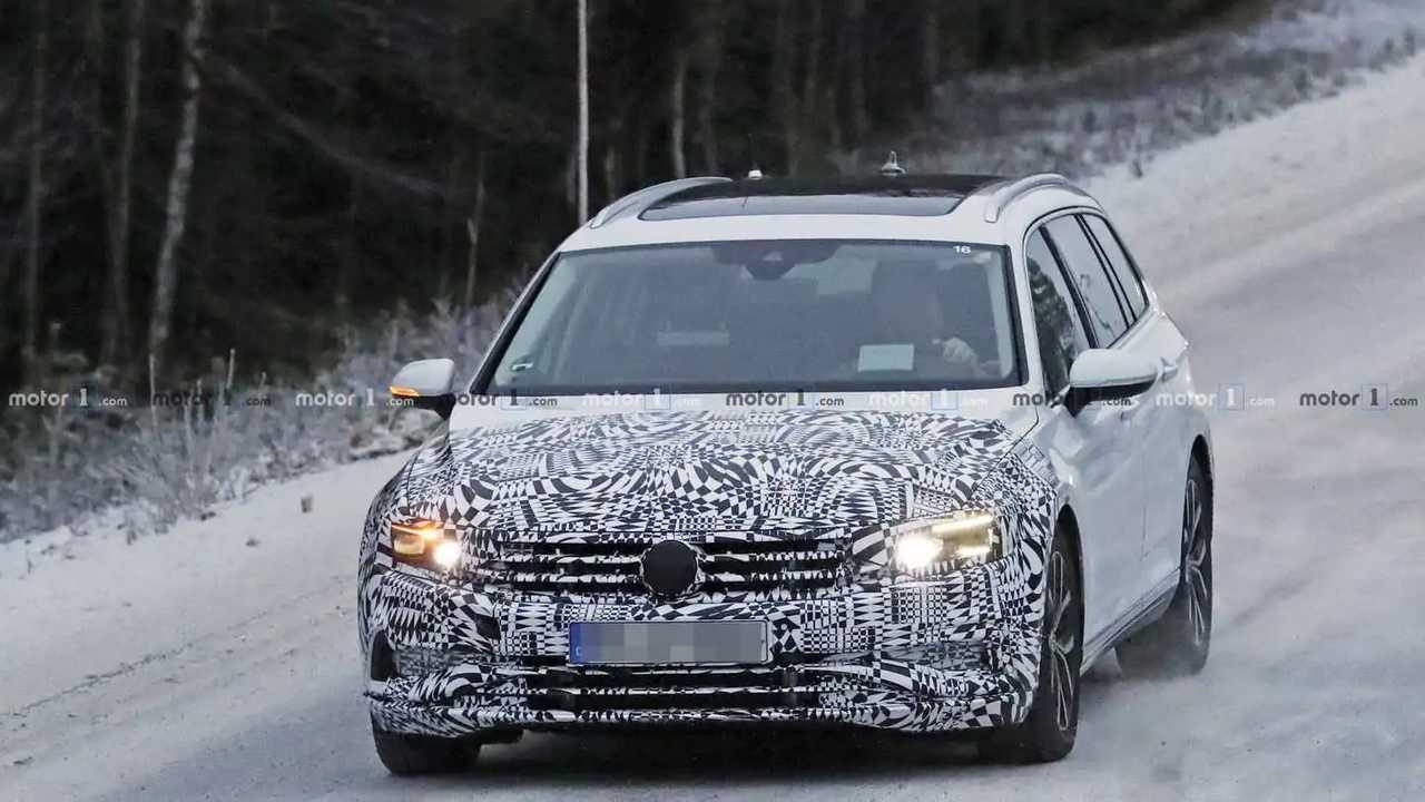 2019 VW Passat Variant spy photo