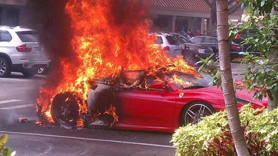 Ferrari F430 has a fiery end in Florida [video]