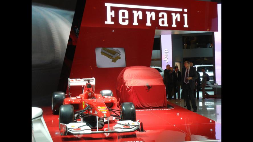 L'erede ibrida della Ferrari Enzo è a Parigi, ma è solo il telaio