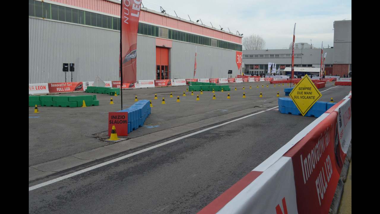 Motor Show 2012: Seat Leon, in pista ma con educazione (stradale)