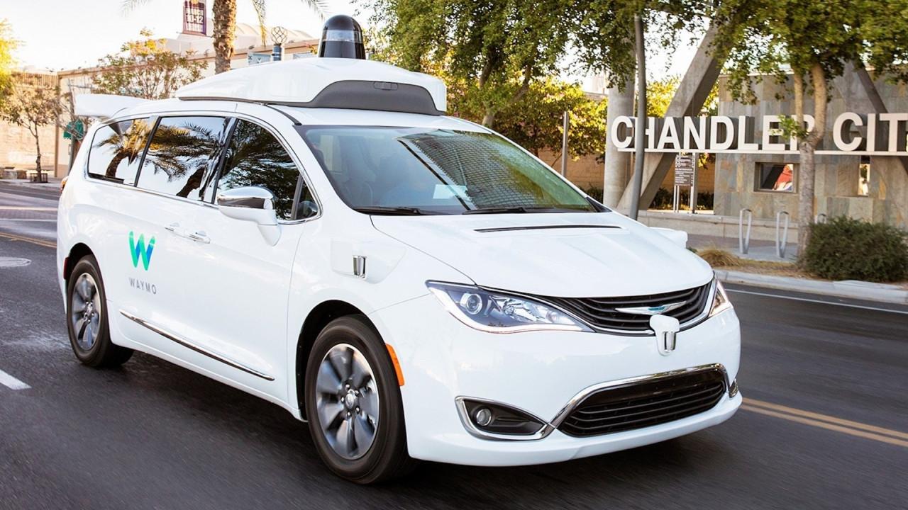 [Copertina] - FCA, migliaia di Chrysler a Google per la guida autonoma